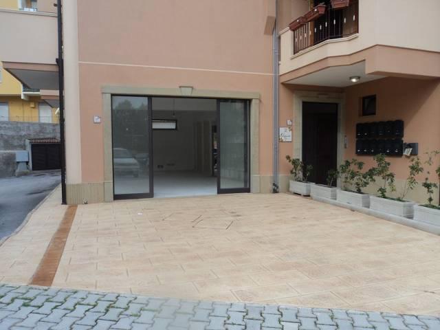 Negozio / Locale in affitto a Patti, 1 locali, Trattative riservate | CambioCasa.it