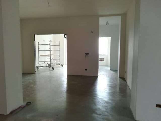 Appartamento in ottime condizioni in vendita Rif. 4458954