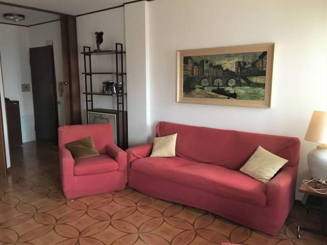 Appartamento trilocale in vendita a Carenno (LC)