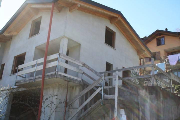Villa in vendita Rif. 4221001
