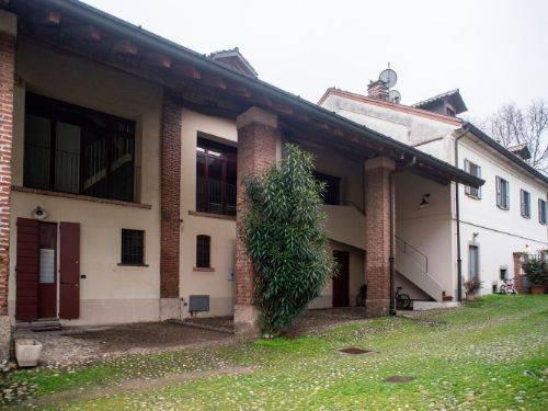 Appartamento in buone condizioni parzialmente arredato in affitto Rif. 4205369