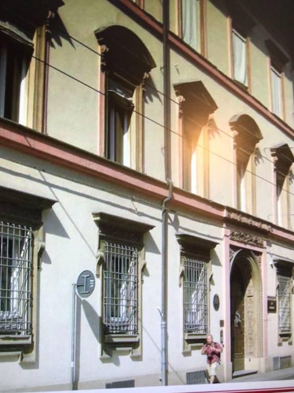 Palazzo in Vendita a Bologna Centro: 3 locali, 200 mq