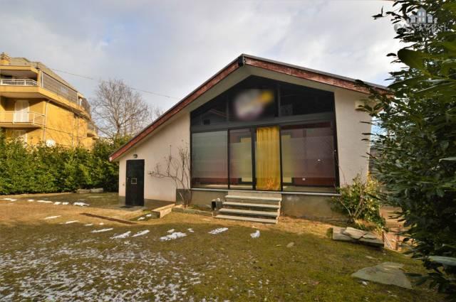 Casa Indipendente in buone condizioni in vendita Rif. 4924799