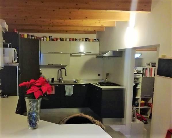 Appartamento in ottime condizioni arredato in vendita Rif. 5003481