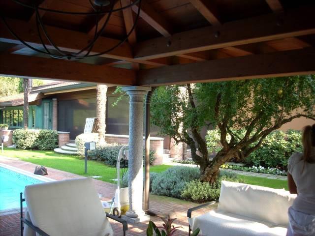 Villa in buone condizioni parzialmente arredato in vendita Rif. 7235680