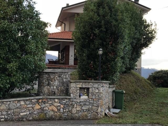 Villa in vendita a Bolano, 6 locali, prezzo € 590.000 | CambioCasa.it