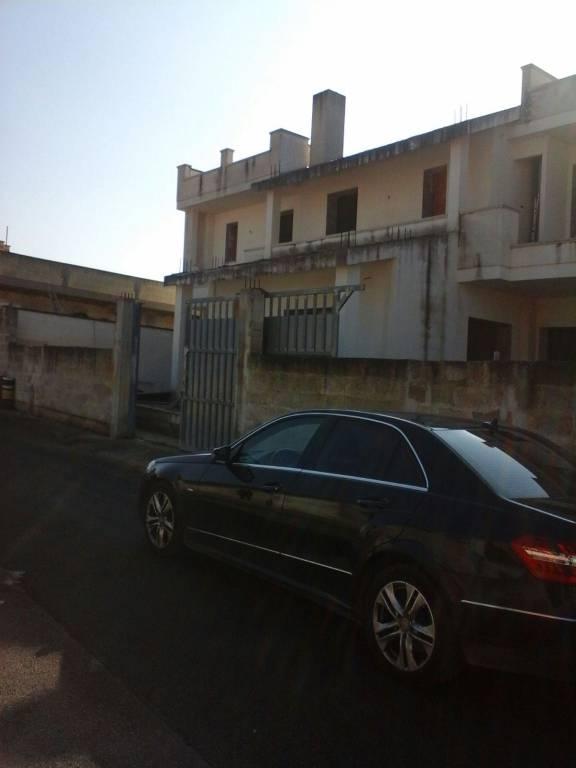 Villa in vendita a Salice Salentino, 6 locali, prezzo € 138.000 | CambioCasa.it