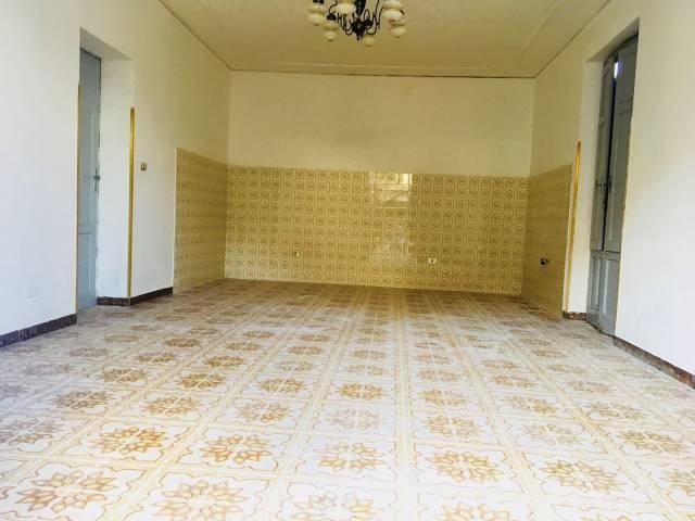 Appartamento da ristrutturare in vendita Rif. 4191563