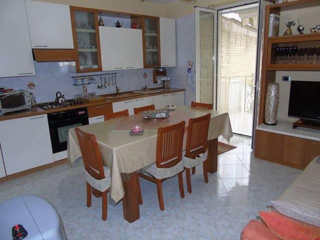 Appartamento in buone condizioni in vendita Rif. 4208482