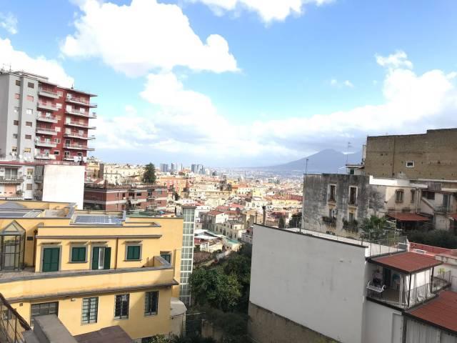 Appartamento in vendita 4 vani 90 mq.  corso Vittorio Emanuele 516 Napoli