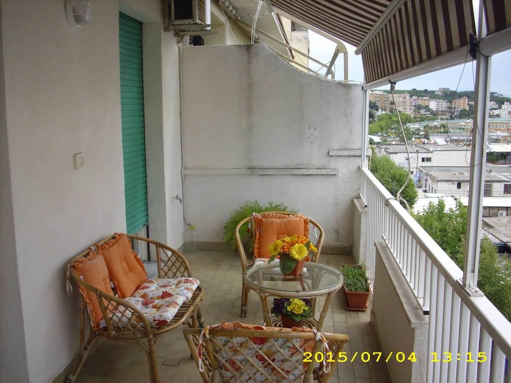 Appartamento in ottime condizioni arredato in affitto Rif. 9270961