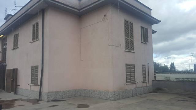 Appartamento da ristrutturare in vendita Rif. 6694897