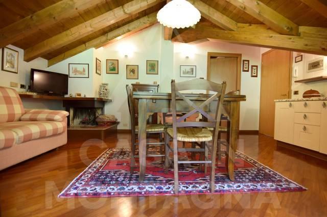 Appartamento in buone condizioni arredato in vendita Rif. 5002501