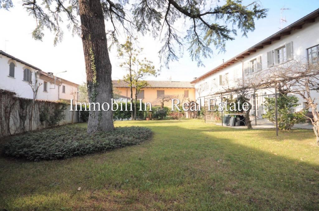 Villa in vendita a Codevilla, 11 locali, prezzo € 740.000   CambioCasa.it