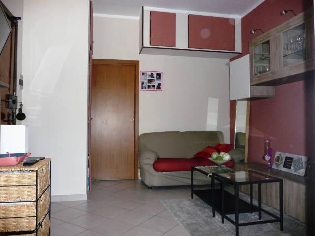 Bilocale Settimo Torinese Via Sondrio 6