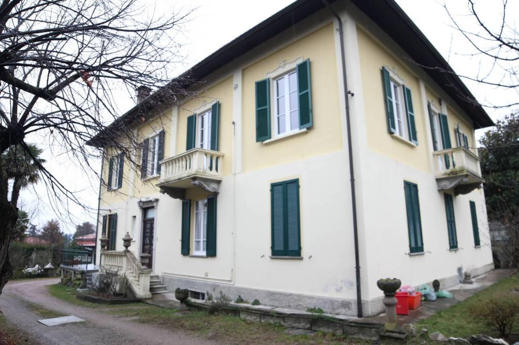 Appartamento in ottime condizioni in vendita Rif. 6973722