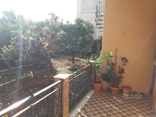 Appartamento in buone condizioni in affitto Rif. 5052891