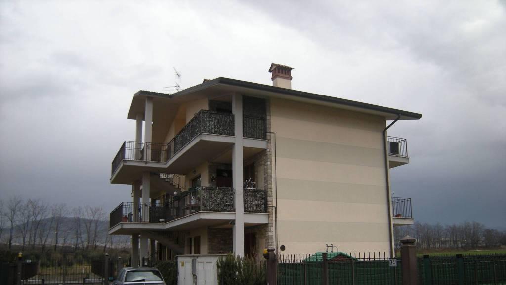 Appartamento in buone condizioni arredato in affitto Rif. 7365197
