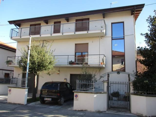 Stabile / Palazzo in ottime condizioni in vendita Rif. 5385721