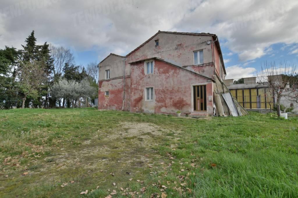 Rustico / Casale da ristrutturare parzialmente arredato in vendita Rif. 5257959