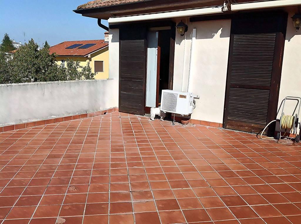 Appartamento in vendita a Motta Visconti, 3 locali, prezzo € 130.000 | PortaleAgenzieImmobiliari.it
