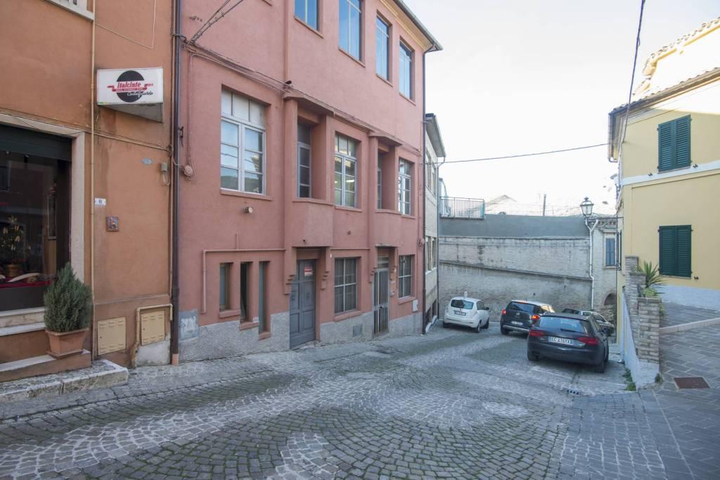 Intera palazzina al centro storico Rif. 5418355