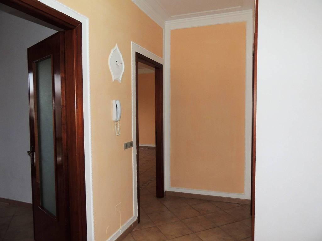 Appartamento in ottime condizioni in vendita Rif. 8900425