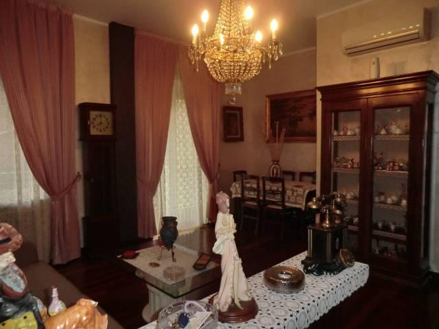 Appartamento in Vendita a Novara Semicentro: 4 locali, 120 mq