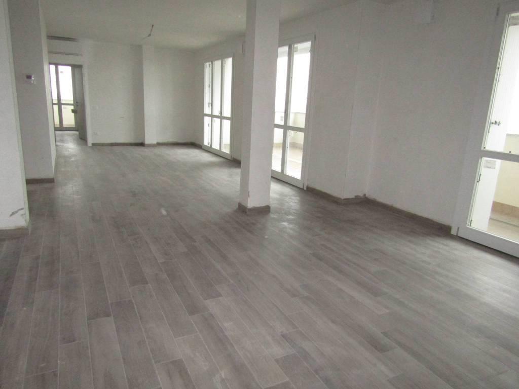 Appartamento in vendita a Segrate, 4 locali, prezzo € 575.000 | CambioCasa.it