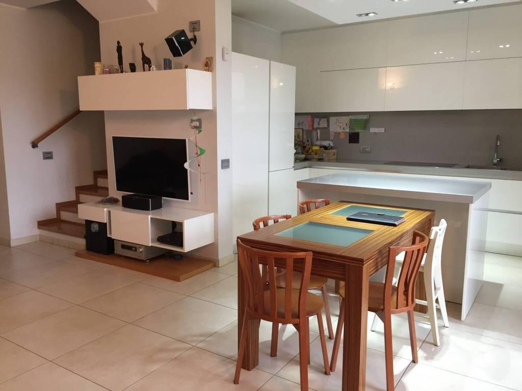 Appartamento in vendita Rif. 5388150