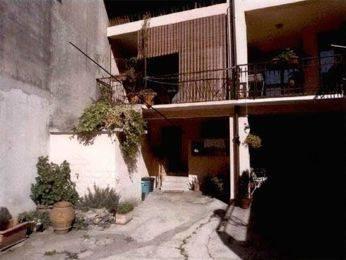 Appartamento in buone condizioni in vendita Rif. 8401877
