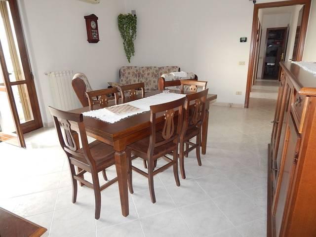 Appartamento in vendita a Trecate, 3 locali, prezzo € 92.000 | CambioCasa.it