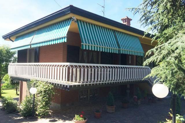 mikha real estate theme