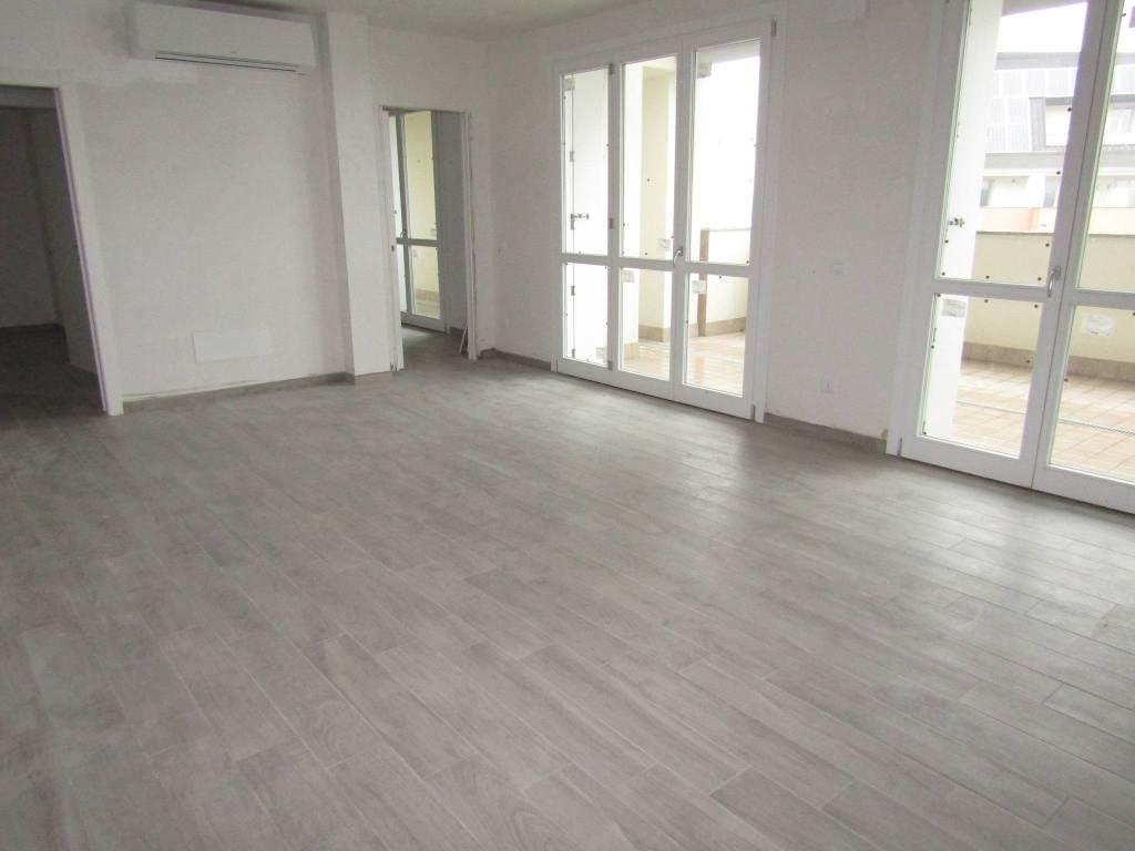 Appartamento in vendita a Segrate, 3 locali, prezzo € 440.000 | CambioCasa.it