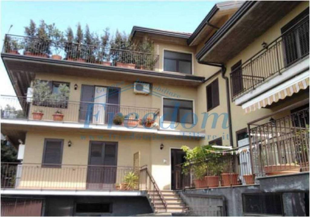 Appartamento in Vendita a Pedara Centro: 3 locali, 75 mq