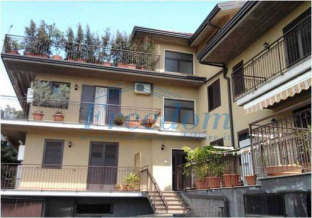 Appartamento trilocale in vendita a Pedara (CT)