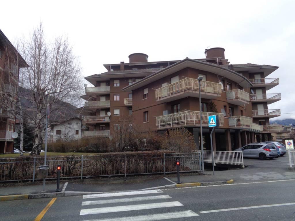 Foto 1 di Quadrilocale via Grand-Eyvia, Aosta