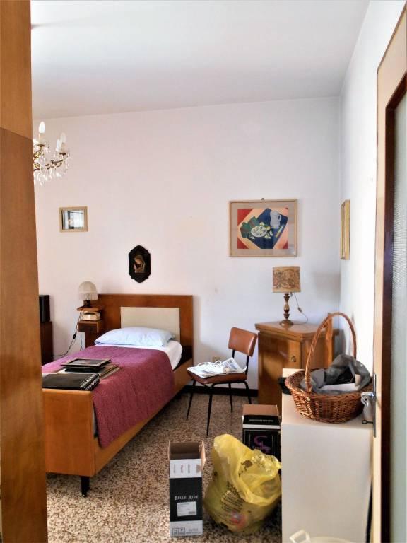 Appartamento in buone condizioni in vendita Rif. 8900427