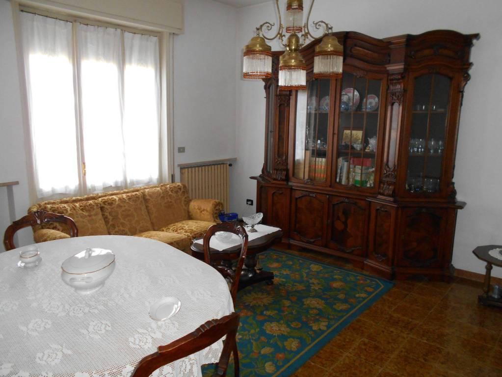 Villa in buone condizioni in vendita Rif. 8900431