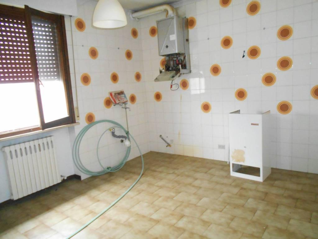 Appartamento in buone condizioni in vendita Rif. 8900432