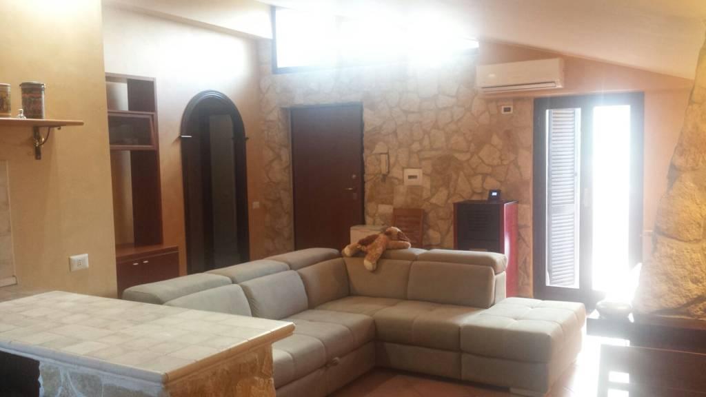 Appartamento in ottime condizioni in vendita Rif. 8578321