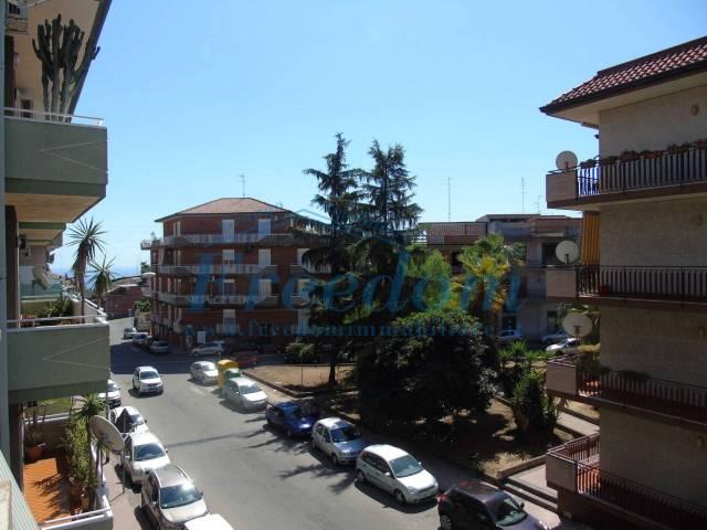 Appartamento in Vendita a Aci Catena Centro: 3 locali, 95 mq