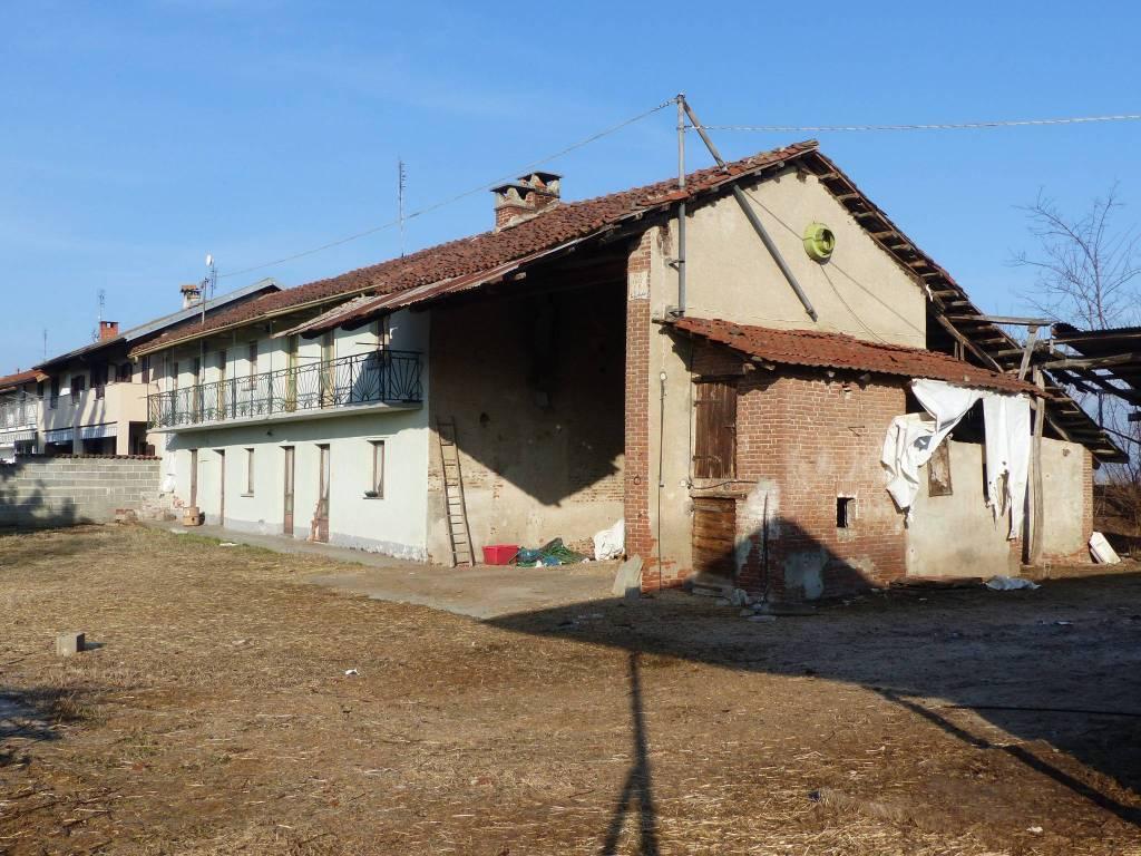 Foto 1 di Rustico / Casale Frazione Madonna Orti 32, frazione Madonna Orti, Villafranca Piemonte