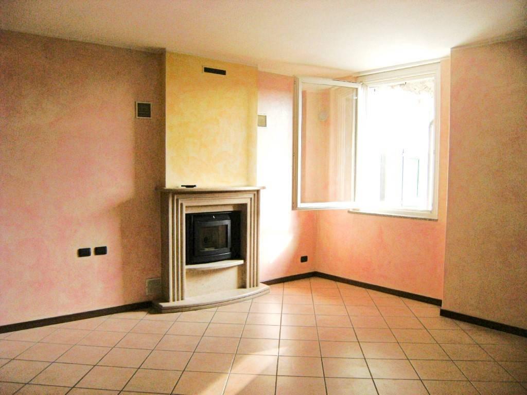 Appartamento in ottime condizioni in affitto Rif. 5392040