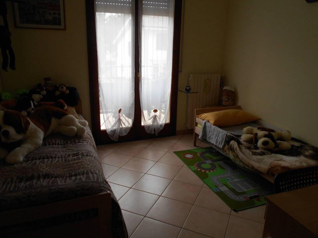 Appartamento in buone condizioni parzialmente arredato in vendita Rif. 8900435