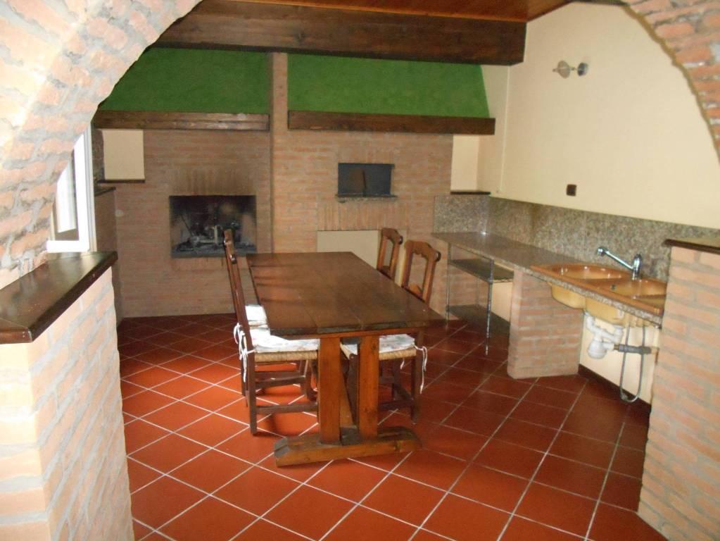 Appartamento in ottime condizioni in vendita Rif. 8900437