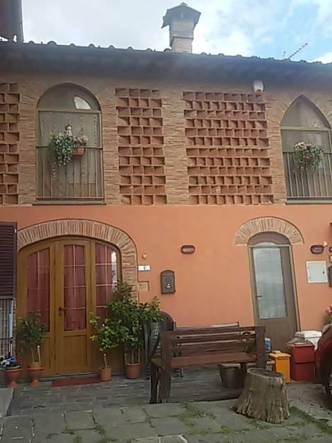 Appartamento in ottime condizioni parzialmente arredato in vendita Rif. 5403601