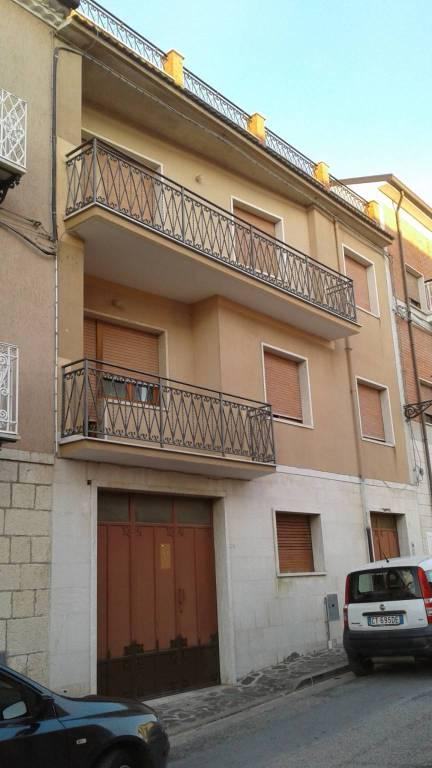 Soluzione Indipendente in vendita a Bagnoli del Trigno, 8 locali, prezzo € 195.000 | CambioCasa.it