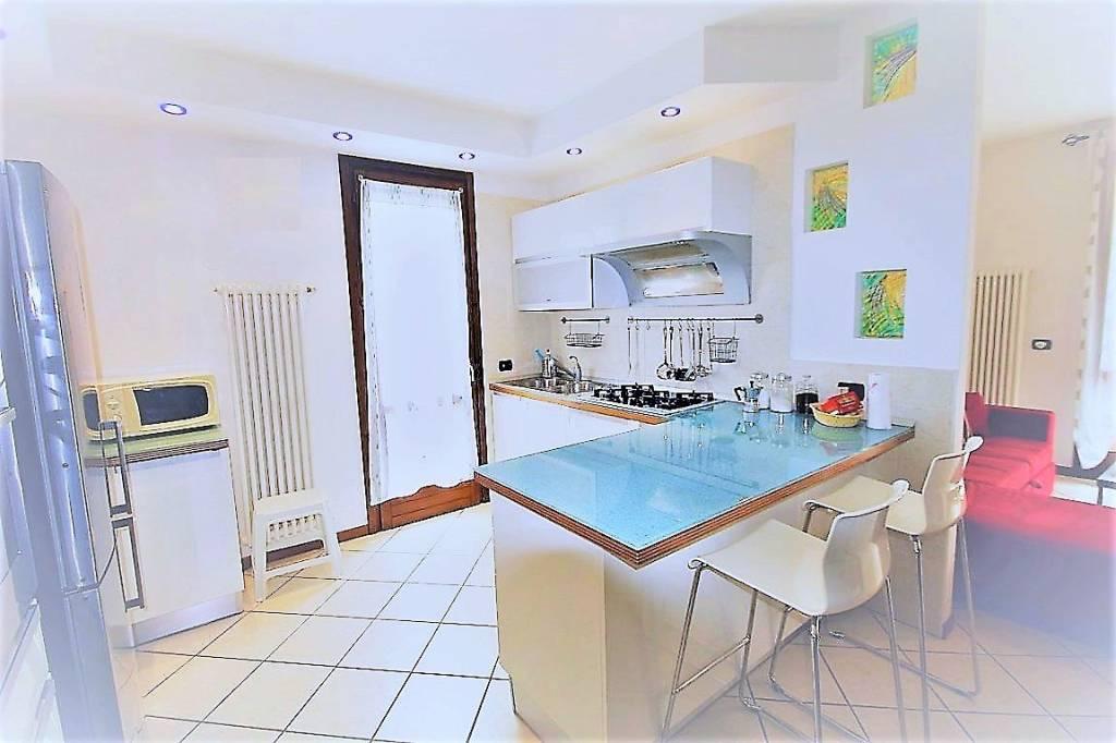 Appartamento in ottime condizioni arredato in vendita Rif. 5385095