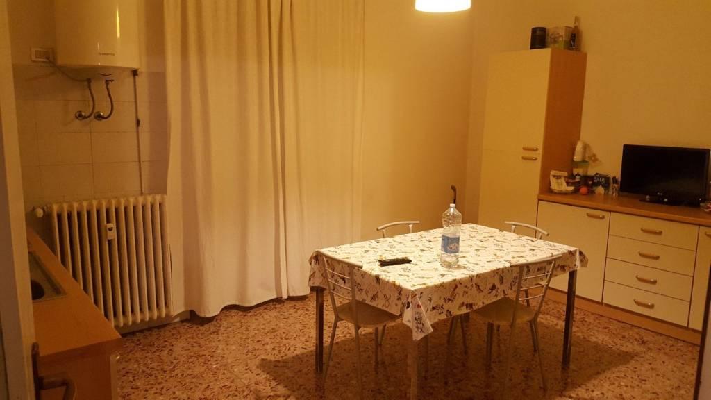 Appartamento in buone condizioni in vendita Rif. 8155149